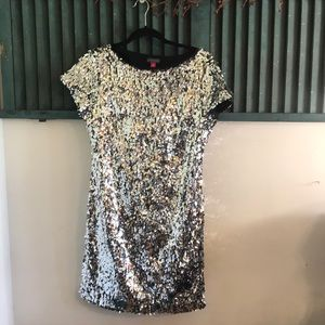 Vince Camuto Silver sequin dress size 6